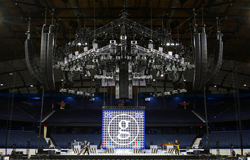 clair brothers speakers i218 line array garth brooks stage chicago illinois 2017